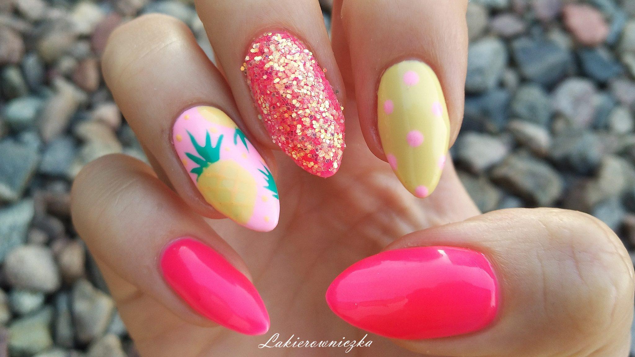 neonowe-paznokcie-Lakierowniczka-Provocater-sequin-ananasowe-paznokcie-hybrydowe-ananasy na paznokciach