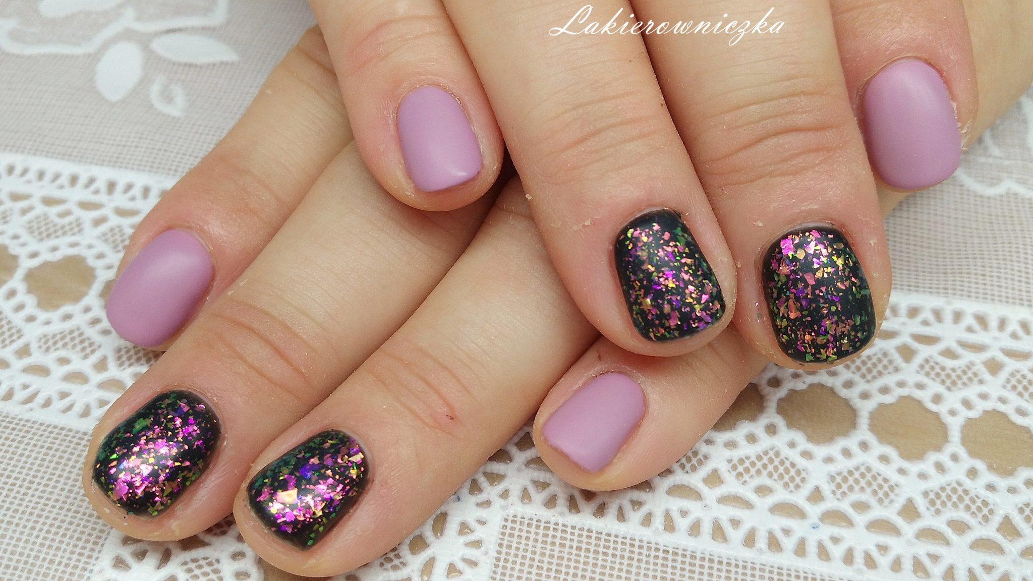 paznokcie-hybrydowe-hybrydy-rozowo-fioletowe-blyszczace- błyszczące paznokcie