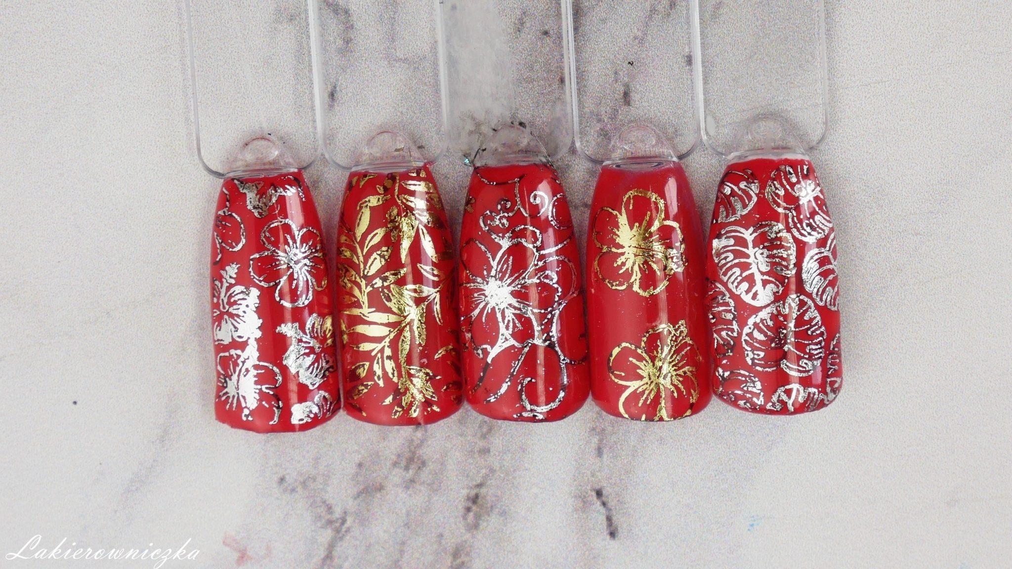 idealna-czerwona-hybryda-Charbonne-stemplowanie-fiolia-transferowa-Moyra-Lakierownicza-plytka-B-loves-plates-czerwone-paznokcie-idealna czerwona hybryda