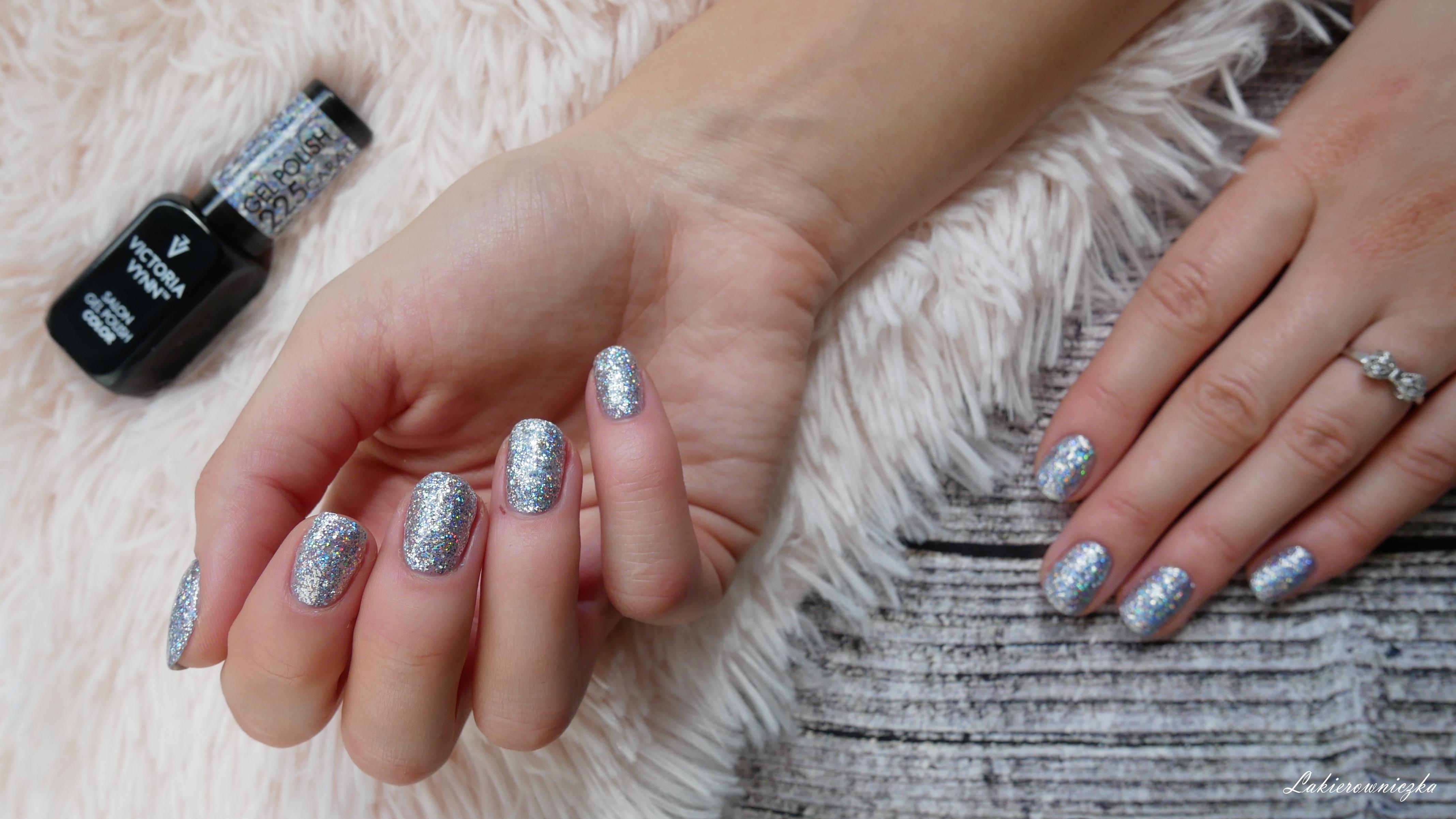 Victoria-vynn-225-silver-diamond-carat-holo-hybryda-gel-polish-brokatowy-srebrny-lakiery-Lakierowniczka-225 silver diamond carat